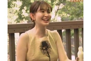 小嶋陽菜のノーブラでポチる乳首