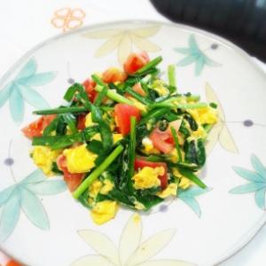 ニラ玉トマト炒め