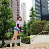 『【留美子讃歌 22】新宿の高層ビル街を歩く留美子さん』の画像