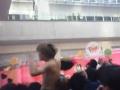 AKBライブ中にオタクが乱入し裸になり連行される放送事故 日テレ出入り禁止になる(画像・動画あり)