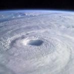 台風20号「おかげさまで進路がきまりました」