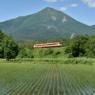 初夏の磐梯山と国鉄急行色 Bandaimachi