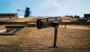 【カメラは見た】監視カメラが捉えた侵入者たち12選
