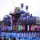 『ちょっと異例...?今年のスプーキーBoo!パレードは停止1回のみへ。パーク規模縮小が関係??』の画像