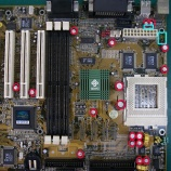 『マザーボードのコンデンサとヒューズの交換手術』の画像