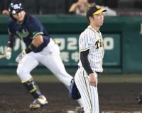 阪神・青柳、四回に追いつかれる 勝ち越しは好返球で阻止