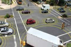 自動運転、遠い道のり・・・右折や高速の合流など技術的な課題も多く
