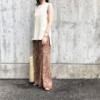 しまむらの「プリーツペイズリーワイドパンツ」の使用感レビュー!トレンドのプリーツパンツをプチプラで楽しめる♪プリーツ加工が美しく、ストレスフリーで穿ける優れもの。