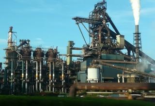 【悲報】製鉄所で悲惨すぎる事故が起きてしまう…※証拠あり