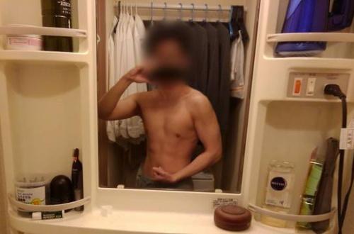 (31) 童貞やけど筋トレ頑張ったから評価してほしい のサムネイル画像