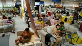 中国・上海でも連日猛暑 「タダ寝族」現象に批判の声も