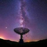 太陽系外惑星からの電波放射をはじめて検知した!? 異星人の世界を調べる新たな手段になると期待