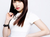 【℃-ute】SICKSの番宣動画に同人作家役のメガネなっきぃキタ━━━━(゚∀゚)━━━━!!