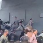 【動画】アフガニスタン、離陸する米軍機に多くの人がしがみつく ⇒ 離陸直後上空から落下!