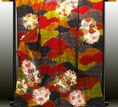 【海外の反応】「KIMONO(和服)は 全ての文化の中で 最もエレガントな服!」息をのむほど美しい日本の衣装に うっとり