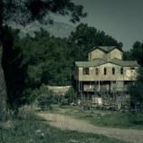 『その家に引っ越してくる人たちがすぐに出ていく理由がわかった「謎の黒い影」』の画像