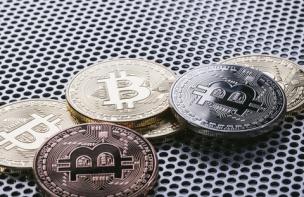 【仮想通貨】起きたらビットコインが30万超えててワロタwwwwwwwwww