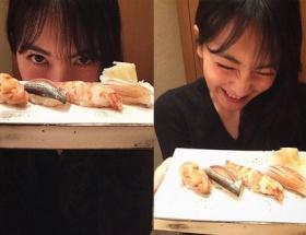 元KARAのジヨンが寿司を前に嬉しそうな写真をup。これは親日ですわ・・・