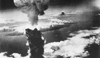 【悲報】アメリカのネット民、広島長崎への原爆投下はデマだと言い出す