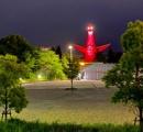 """大阪府がライトアップし始めた""""太陽の塔""""が怖すぎるのではないかと話題に"""