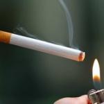 まだタバコ吸ってるやつってほんま意思弱いよな