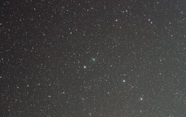 『コマを形成中のジョンソン彗星(C/2015 V2)』の画像