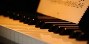 娘と一緒にピアノを習っていたAちゃんの庭にある防音室で練習を一緒にさせてもらっていた。やがてAちゃんがピアノを辞めることになり…