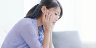 婚約者の妹が有名な艶系女優だと発覚。結婚してもしなくても後悔するだろうけど、どっちの後悔をとるべきか…