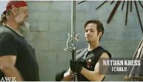 【創作】   海外の鍛冶屋が 「ソードアート・オンライン」 の剣 を作り上げる動画。   海外の反応