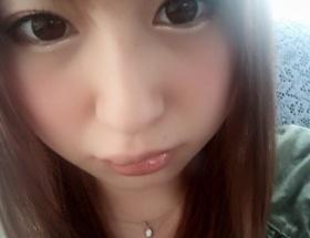 【悲報】元AV女優・成瀬心美さん、iPhoneを唇に落として唇が腫れ上がる→また勝手に性病だと書かれて怒る