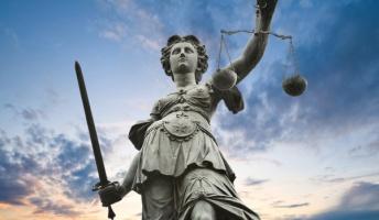 問:正義とは何か。20字以内で答えよ