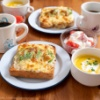 「きのう何食べた?」(よしながふみ)のアボカドツナチーズトーストの朝食