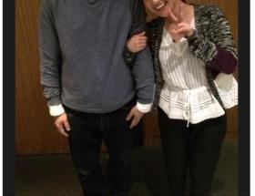 有吉弘行、大島優子との腕組みツーショットをツイッターで公開