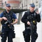 イギリス人「お前らの国の武装してる警察を貼ってみよう」