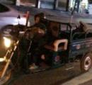 【画像】 7歳の子供がオート三輪を運転して酔っぱらった父親を迎えにきた