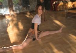 バリ島でダンスしてる佐々木希が美しすぎる!お尻を突き出してエロいし