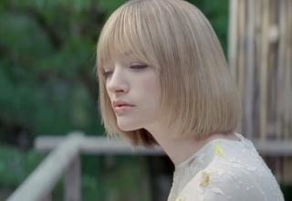 【画像あり】JTのCMに出てる金髪の激烈美女wwwwwww