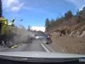 トラックと正面衝突したボルボwwwww(画像あり)