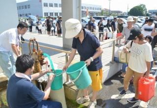 【台風15号】「こんな長い断水は初めて」「暑さで体調おかしくなりそう。千葉市のホテルに向かう」断水、停電続く千葉