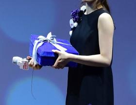 キム・ヨナが日本の芸能界デビューを狙って大整形手術