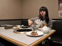 【乃木坂46】1人焼き肉をする齋藤飛鳥の様子がコチラ!!!