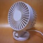 最近歩きながら小さい扇風機を回してる人多いけど、あれって涼しいの?w