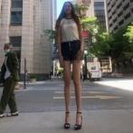 長すぎてロング!股下134cm、身長210cmのあしなが女性に注目が集まる(アメリカ)