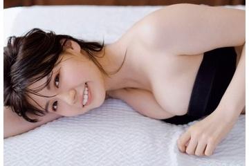 井口綾子の乳輪見えそうなエロおっぱい