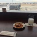 大阪伊丹空港 JALダイヤモンドラウンジで軽食を!