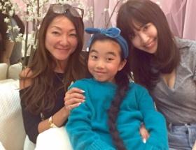 【朗報】AKB48の美女小嶋陽菜さん、乳を放り出す