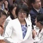 【国会】立憲・蓮舫議員、人の質疑は聞かず後ろの女性議員とくっちゃべって馬鹿笑い!