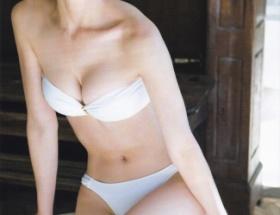 篠田麻里子(30)のグラビアwwwwwwwwwwww