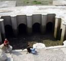 【画像】干ばつでダムが干上がり、ダム底から失われた神殿が姿を現す