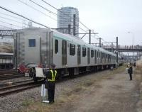 『東急電鉄 2020系が長津田に到着し早速のお披露目』の画像